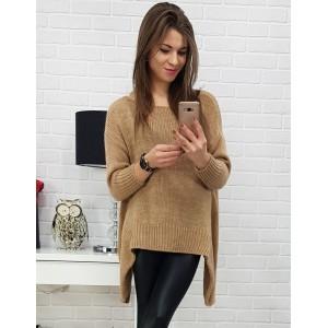 Módní prodloužený svetr karamelově hnědé barvy