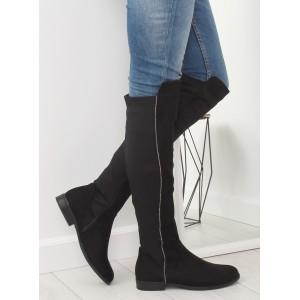 Zimní kozačky černé barvy na nízkém podpatku