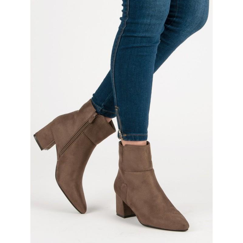 f484d779a4 ... zimní obuv Elegantní dámské kotníkové kozačky v béžové barvě na boční  zip. Předchozí