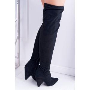 Černé dámské semišové kozačky nad kolena na originálním podpatku