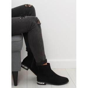 Černé dámské kotníkové semišové boty na zimu s trendy podpatkem