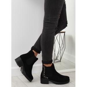 Černé dámské semišové boty na zimu s ozdobným vybíjením